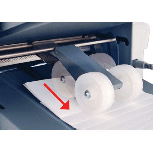 AutoStack Wheels eliminate having to adjust manually when switching form types and fold sizes
