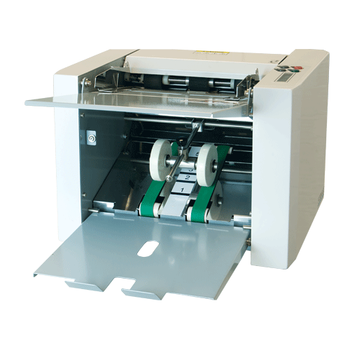 Integrated output conveyor for neat & sequential stacking