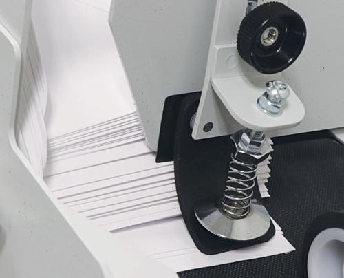 Adjustable envelope separator ensures accurate feeding